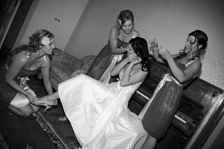 Girls getting ready Wedding Photography Essence Images Central Coast