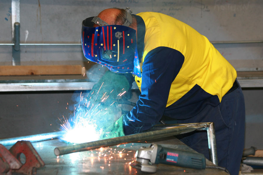 People-in-Workplace - Manufacturing Photography Essence Images Central Coast